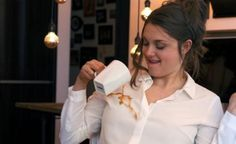 La blusa repele manchas, innovación de la startup Elizabeth  & Clarke