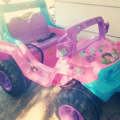 Dora jeep