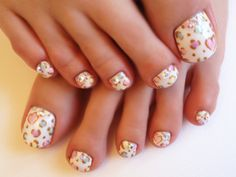 Japanese Leopard Print Pedicure. We adore this colourful leopard print pedicure.