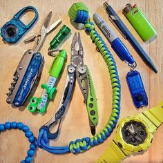 Survival Life Hacks, Survival Food, Survival Kit, Bug Out Gear, Edc Bag, Edc Gadgets, Edc Everyday Carry, Making Tools, Paracord