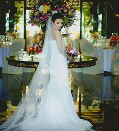 Bridal Gown With Long Veil | http://brideandbreakfast.ph/2015/02/12/divine-delicateness/ | Photography: MangoRed Studios