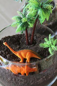 mesa de festa de dinossauro - Google Search