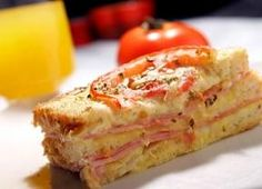 Rendimento1 porções Ingredientes- 1 pão de forma  - 200g mussarela  - 200g presunto  - 3 tomates em rodelas  - Orégano a gosto   Molho:   - 2  ...