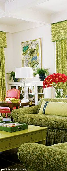 Let Real Simple provide smart, realistic solutions from DIY crafts and recipes to home decor ideas, all to make your life easier. Tiffany Green, Green Home Decor, Dream House Interior, I Coming Home, Living Room Green, Interior Decorating, Interior Design, Room Accessories, Room Decor