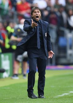 Antonio Conte Photos - Antonio Conte head coach of Italy gestures during the UEFA EURO 2016 round of 16 match between Italy and Spain at Stade de France on June 2016 in Paris, France. - Italy v Spain - Round of UEFA Euro 2016 Antonio Conte, Uefa Euro 2016, European Championships, Paris France, Spain, June, Italy, Sports, Beautiful