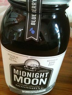 Deep South Magazine's Southern Product Taste-Off: Get a taste of the Deep South through some of the latest Southern food products on the market.  try the APPLIE PIE moonshine!