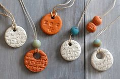 Diffuser Necklace For Essential Oils - DIY Gift World
