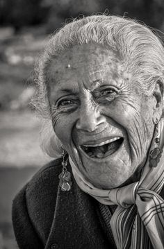 """Smiling for a very long time over many many years makes you Smile-Beautiful! You can be smile beautiful any day you choose! years Smiling"""", photo by Diego Mena / Cuban Artist) Just Smile, Smile Face, Happy Smile, Beautiful Smile, Beautiful People, White Photography, Portrait Photography, Old Faces, Ageless Beauty"""