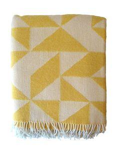 Geometric Wolldecke in yellow by Tina Ratzer