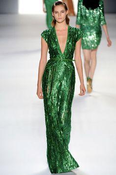 Emerald green dress #pinpantone #coloroftheyear