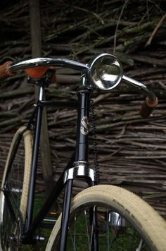 Velo Vintage, Vintage Bicycles, Fixie Course, Course Vintage, Urban Bike, Classic Bikes, Life Cycles, Second Life, Motorbikes