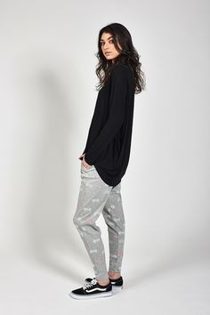 Ketzke Kahuna Tee L/S Trending Outfits, Normcore, Sweatpants, Sporty, Stylish, Tees, Womens Fashion, Clothes, Collection