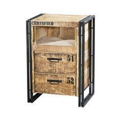 Een klein kastje wat ook als nachtkastje gebruikt kan worden