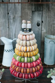 Macaroon cake: http://www.stylemepretty.com/little-black-book-blog/2015/02/17/modern-masculine-summer-wedding-at-barndiva/ | Photography: Abi Q - http://abiqphotography.com/