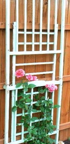 Upcycled Baby Cribs recycling ideas for recalled and old cribs garden flower trellis Old Baby Cribs, Old Cribs, Baby Beds, Outdoor Projects, Garden Projects, Garden Ideas, Outdoor Crafts, Outdoor Ideas, Outdoor Decor