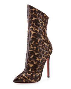 Christian Louboutin Gouzimine Leopard Print Red Sole Pointy Boot www.be Cheap price for Christian Louboutin High heels/Shoes for your Chrismas day! Pointy Boots, Leopard Boots, Heeled Boots, Bootie Boots, Ankle Boots, Cheetah, Jimmy Choo, Sexy Stiefel, Zapatos Shoes