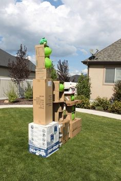 Bild a giant backyard Angry Birds set   11 DIY Awesome Things To Do With Your Yard, see more at: https://diyprojects.com/diy-awesome-things-to-do-to-your-yard/