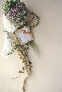Category : swagご覧いただきありがとうございます。秋色紫陽花とグリーンのアマランサスのドライフラワーのスワッグになります。白のプリザーブドフラワ...|ハンドメイド、手作り、手仕事品の通販・販売・購入ならCreema。