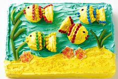 Make a birthday extra special with this simple yet effective fish tank cake.