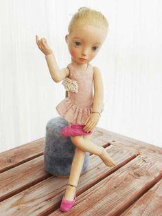 http://www7b.biglobe.ne.jp/~kurukmi/dolls_page.html
