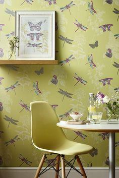 An All Over Wallpaper Design Featuring Delicate Fluttering Butterflies.  Tapeten, Hintergrund Direkt, Texturierte