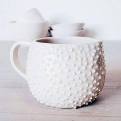 Mi ⓟⓡⓔⓕⓔⓡⓘⓓⓐ 🖤 . . . #artstudio #jarritas #pinches #instaart #studioscenes #livecreatively #designisinthedetails #handmade #madebyhand #buyhandmade #shopsmallbusiness #handmadelove #shophandmade #homestyle #decoration #interiorstyling #interiordecor #makerslife #potter #pottery #pot #ceramica #shop #tienda #gift #buy #emprendimiento #entrepreneur #design #home