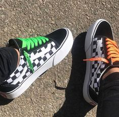 Shop new-season looks from the latest range of men's, women's and kids' shoes, clothes and backpacks at Vans. Vans Shoes Fashion, Vans Shoes Outfit, Cool Vans Shoes, Vans Boots, Fashion Outfits, Sock Shoes, Shoes Heels, Moda Sneakers, Vans Sneakers