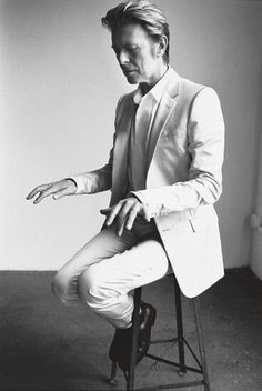 Richard Avedon was greatest portrait photographer in my opinion. Known for his stark white background and the haunting but truthful human expressions. In this picture he catch David Bowie seating on chair in studio pretending playing on piano. Artist is very focused. We can almost feel touching piano keys.