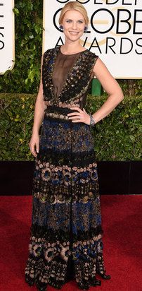 Claire Danes at 2015 Golden Globe Awards wearing NARS makeup and Valentino dress