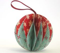 DIY paper Christmas ornaments http://www.homemade-gifts-made-easy.com/make-christmas-ornaments.html