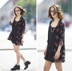 Urban Outfitters Floral Kimono, Chic Wish Slip Dress, Cos Lace Up Shoes, Cos Copper Necklace