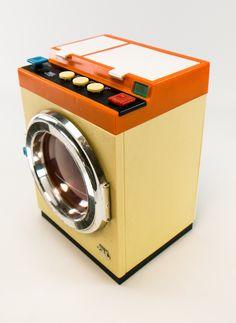 """DDR Museum - Museum: Objektdatenbank - """"Spielzeugwaschmaschine"""" Copyright: DDR Museum, Berlin. Eine kommerzielle Nutzung des Bildes ist nicht erlaubt, but feel free to repin it!"""