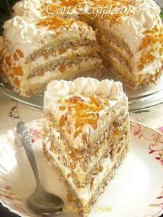 Tortul Egiptean un desert fabulos, pralinat, compus din 3 foi si 2 traturi cremoase diferite. Low Carb Desserts, Cookie Desserts, Cookie Recipes, French Pastries, Let Them Eat Cake, Cake Cookies, Chocolate Cake, Baked Goods, Deserts