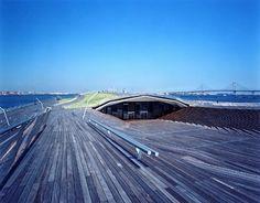 建築:アレハンドロ・ザエラ・ポロ&ファッシド・ムサヴィ http://www.osanbashi.com/