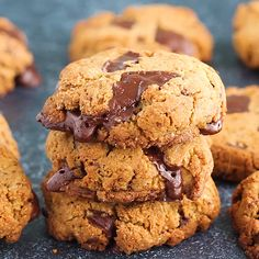 Chewy, thick paleo chocolate chunk cookies made with both coconut and almond flour. These low carb cookies are a dream come true. Gluten, grain and dairy free! dairy The Best Paleo Chocolate Chunk Cookies Paleo Dessert, Bon Dessert, Healthy Sweets, Healthy Baking, Dessert Recipes, Paleo Food, Low Carb Cookies, Healthy Cookies, Gluten Free Cookies