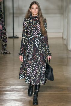 Valentino Autumn/Winter 2017 Ready to Wear Collection