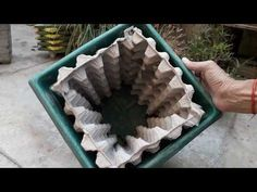 How to make amazing creative designer pot at home. - Free Online Videos Best Movies TV shows - Faceclips Diy Home Crafts, Garden Crafts, Diy Garden Decor, Garden Projects, Garden Art, Garden Ideas, Concrete Crafts, Concrete Pots, Concrete Garden