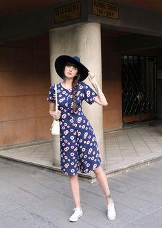 New post on my Blog! Flower Vintage Jumpsuit! http://pazhalabirodriguez.com/flower-vintage-jumpsuit/ #pazhalabirodriguez #ootd #fashionblogger #outfit #blogger #mood #newpost #whatiwore #style #love #new #jumpsuit #vintage #brimmedhat #converse #culotte