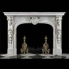 Camino in stile barocco, rivestito in marmo color avorio, con bocca ad arco ellittico, Camera di combustione chiusa e ventilata