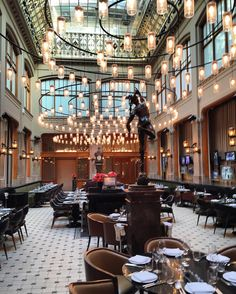 CIRIO CIRCULAR designed by Antoni Arola at the Duchess #Amsterdam a historical bank transformed into restaurant, #design by #baranowitzkronenberg. @theduchessamsterdam @Whotelamsterdam