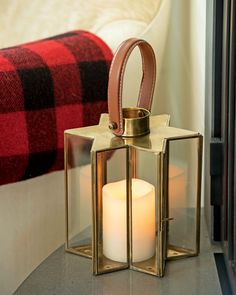 Star Candle Lantern - Lantern Candle Holder in Brass and Glass Beautiful Candles, Best Candles, Diy Candles, Outdoor Candle Lanterns, Lantern Candle Holders, Candle Pics, Star Candle, Homemade Candles, Candle Centerpieces