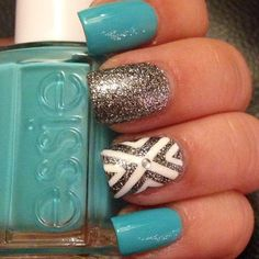 Blue and silver glitter with accent nail | so pretty!