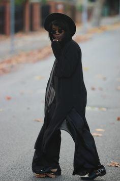 Serah De Fashix: European Retro Frameless Round Fashion Sunglasses 8912