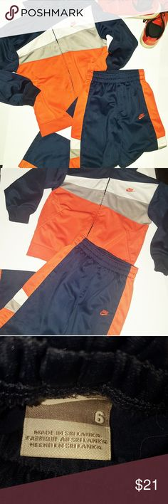 nike outfit size 6 nike boys outfit size 6 in great condition  tracksuit jogging suit zip up hoodie  small flaws shown in picture on pant leg and front of sweater no noticeable Nike Matching Sets