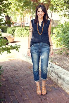 via Kendi Everyday Cute Summer Outfits, Spring Outfits, Casual Outfits, Cute Outfits, Fashion Outfits, Blue Blouse Outfit, Navy Blouse, Blue Jean Outfits, Fashion Line