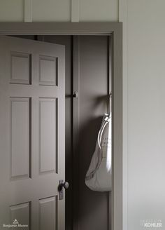 Explore Northern Roots – the third in a series of bathrooms designed exclusively by Kohler and Benjamin Moore. Interior Paint Colors, Gray Interior, Interior Trim, Interior Door, Paint Colours, Interior Design, Favorite Paint Colors, Grey Doors, Painted Front Doors