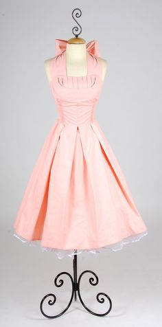 Pink Dress from Dr. Who/possible bridesmaid dress? @Katie Schmeltzer Miller !! you should do this!!