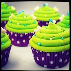 Lime green cupcakes :)