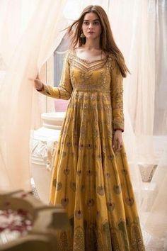 Pakistani Fashion Party Wear, Pakistani Wedding Outfits, Pakistani Dresses Casual, Pakistani Dress Design, Casual Gowns, Wedding Salwar Suits, Pakistani Party Wear Dresses, Pakistani Designer Suits, Bollywood Dress