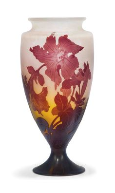 A GALLÉ CAMEO GLASS VASE -  CIRCA 1900